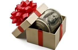Corporate Holiday Gift Giving: How to Avoid Corruption and Bribery Risk