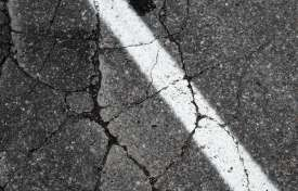 Low Quality Asphalt: How to Avoid Problems Down the Road