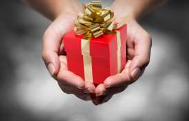 Give the Gift of Referrals this Season